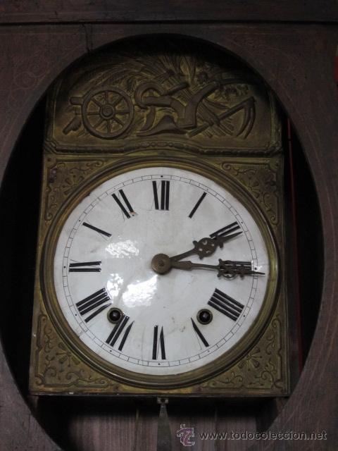 Relojes de pie: Antiguo reloj Morez con caja de madera original pintada, en funcionamiento. - Foto 2 - 42569124