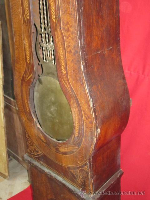 Relojes de pie: Antiguo reloj Morez con caja de madera original pintada, en funcionamiento. - Foto 4 - 42569124