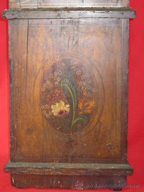 Relojes de pie: Antiguo reloj Morez con caja de madera original pintada, en funcionamiento. - Foto 5 - 42569124