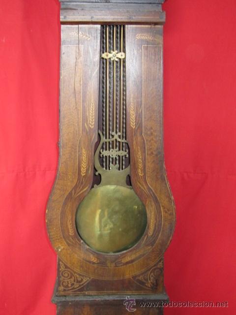 Relojes de pie: Antiguo reloj Morez con caja de madera original pintada, en funcionamiento. - Foto 6 - 42569124