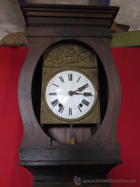 Relojes de pie: Antiguo reloj Morez con caja de madera original pintada, en funcionamiento. - Foto 7 - 42569124