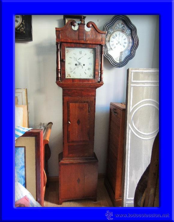 PRECIOSO RELOJ INGLES CON SEGUNDERO Y CALENDARIO. FUNCIONA CORRECTAMENTE (Relojes - Pie Carga Manual)