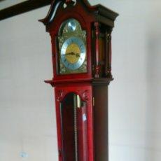 Relojes de pie: RELOJ TEMPUS FUGIT DE PIE PÉNDULO Y PESAS. Lote 47687412