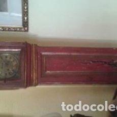 Reloj de pie de madera