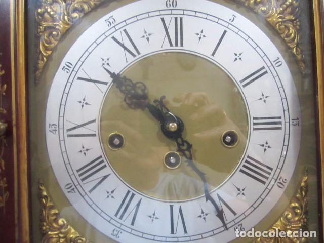 Relojes de pie: Precioso reloj carrillon, con sonería. Cuerpo decorado a mano. Funcionando. 42 x 27 x 195 cms. altur - Foto 4 - 91334280