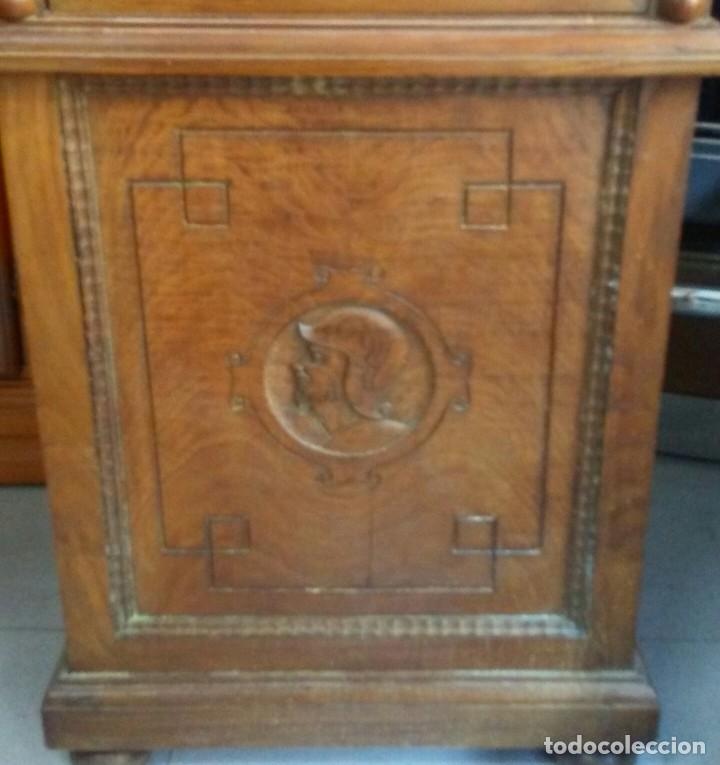 Relojes de pie: Reloj castaño - Foto 3 - 134837478