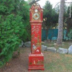 Relojes de pie: RELOJ DE PIE CON CHINERÍAS DEL AÑO 1973. Lote 136852978