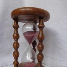 Relojes de pie: RELOJ DE ARENA - VIDRIO SOPLADO Y MADERA DE OLIVO- DE CASI 5 MINUTOS. Lote 146953042