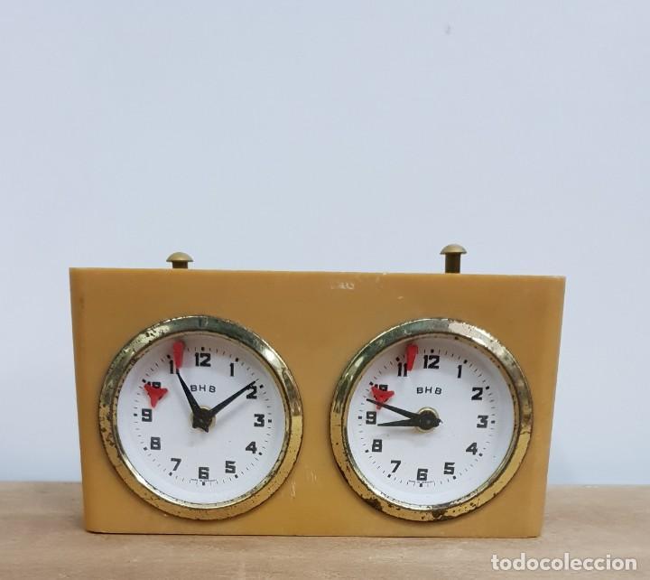 RELOJ DE AJEDREZ BHB (Relojes - Pie Carga Manual)