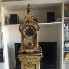 Relojes de pie: RELOJ DE CARTEL, MUSICAL, CON GRAN PEANA. Lote 152779370