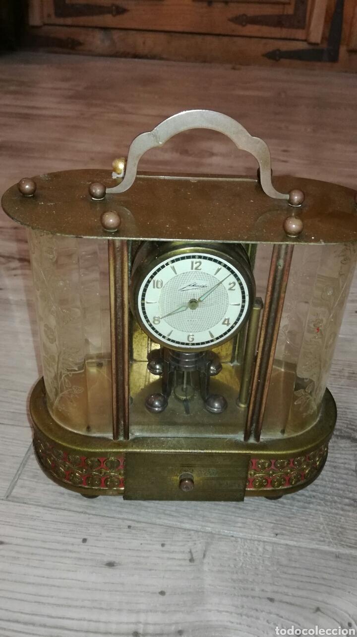 RELOJ DE MESA MUY BONITO DE METAL (Relojes - Pie Carga Manual)