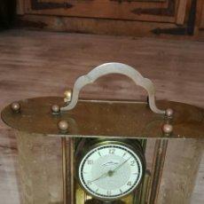 Relojes de pie: RELOJ DE MESA MUY BONITO DE METAL. Lote 153050738