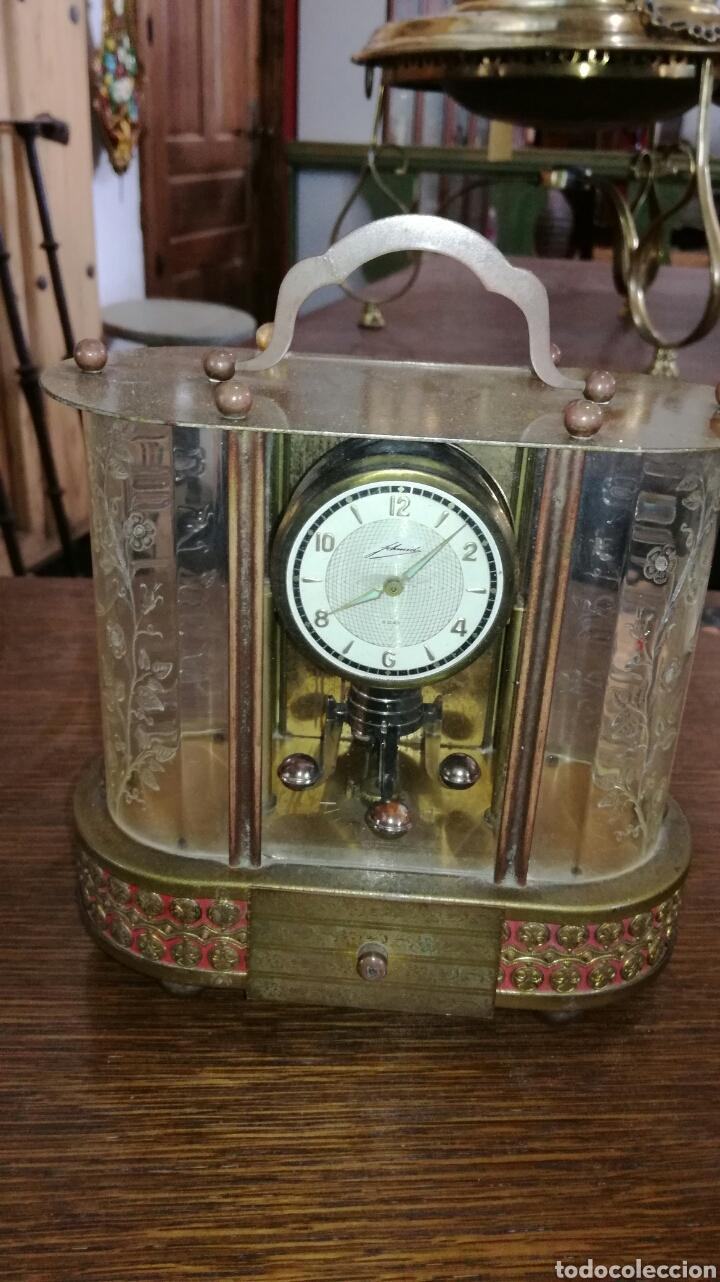 Relojes de pie: Reloj de mesa muy bonito de metal - Foto 2 - 153050738