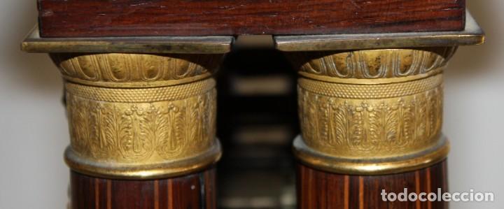 Relojes de pie: RELOJ DE PORTICO - MARQUETERIA BOJ - CAOBA Y BRONCE AL MERCURIO - SG XIX. - Foto 11 - 172090934