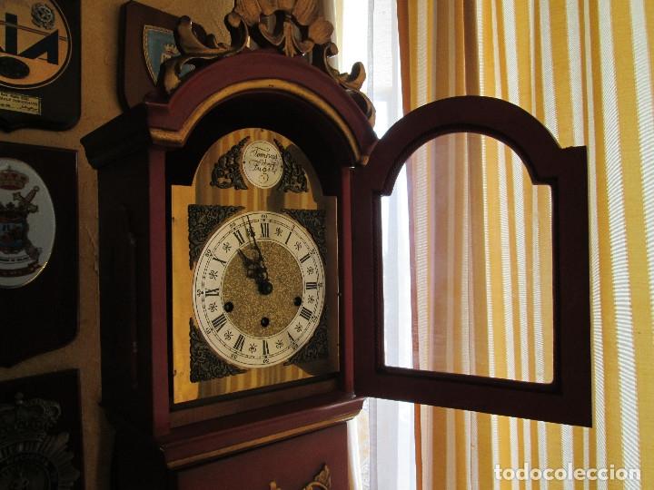 Relojes de pie: RELOJ DE PIE CARGA MANUAL - TEMPUS FUGITE - CAJA MADERA - TIENE LA LLAVE - 183X21X15 - Foto 8 - 172242872