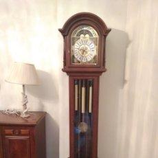 Relojes de pie: RELOJ CARGAS Y PÉNDULO LAFUENTE. Lote 173511680