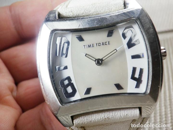 Relojes de pie: GRAN Y ELEGANTE TIME FORCE DE ALTA CALIDAD ACERO INOX. FUNCIONA LOTE WATCHES - Foto 2 - 173854245
