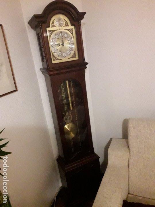 RELOJ TEMPUS FUGIT DE CAOBA (Relojes - Pie Carga Manual)