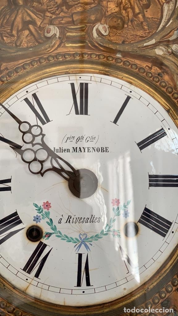 RELOJ DE PIE TIPO MOREZ DEL ARTISTA JULIEN MAYENOBE (Relojes - Pie Carga Manual)