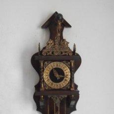 Relojes de pie: RELOJ ANTIGUO DE PARED ALEMÁN CON PESAS Y PÉNDULO ESTILO HOLANDES FUNCIONA Y DA CAMPANADAS AÑOS 50. Lote 179096983