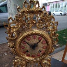 Relojes de pie: RELOJ DE BRONCE DE CUERDA CON SONERIA. Lote 180174162