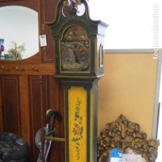 Relojes de pie: RELOJ DE PIE ANTIGUO DE MADERA Y LATÓN. Lote 184549553