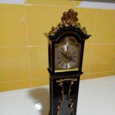 Relojes de pie: ANTIGUO RELOJ CUERDA SCHMID 8 DAYS, GERMANY. 33 CM.. Lote 191011105
