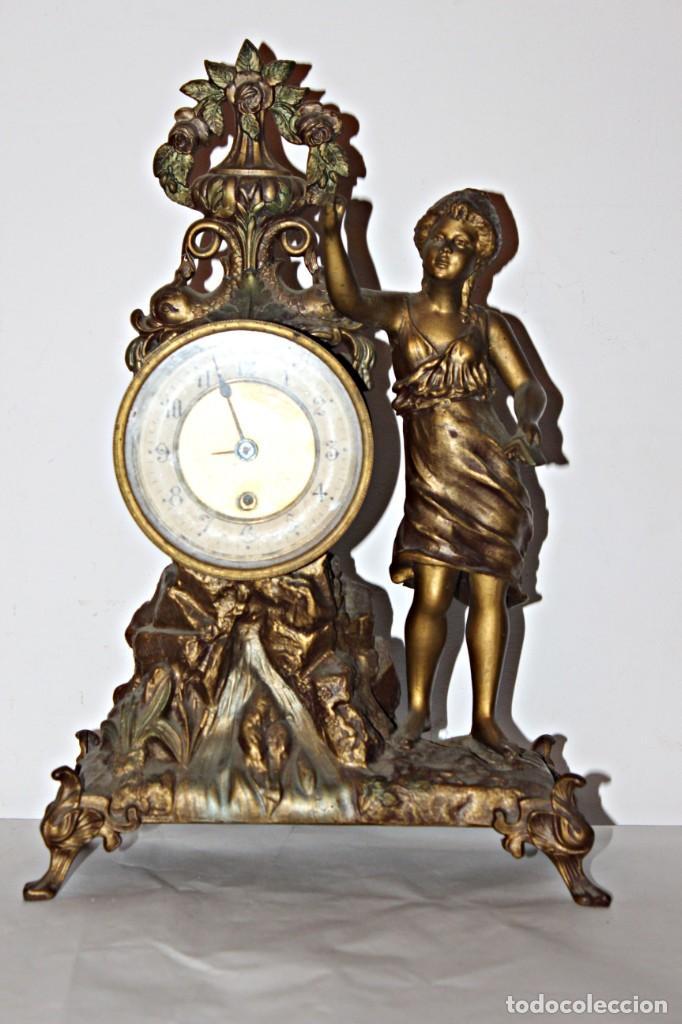 Relojes de pie: Conjunto de reloj y jarrones. Art Nouveau (3) 1900´s- Estilo Rococó - Calamina/Zamack - Foto 3 - 192674613