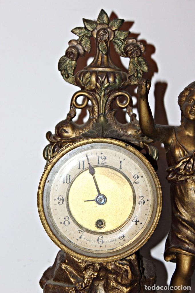 Relojes de pie: Conjunto de reloj y jarrones. Art Nouveau (3) 1900´s- Estilo Rococó - Calamina/Zamack - Foto 5 - 192674613