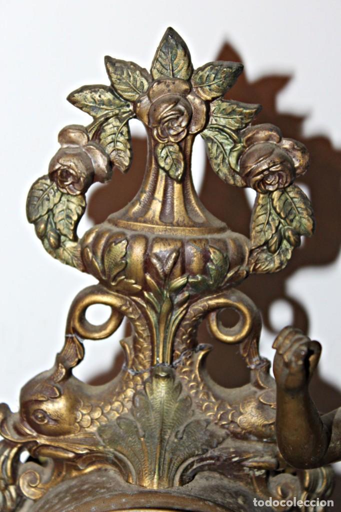 Relojes de pie: Conjunto de reloj y jarrones. Art Nouveau (3) 1900´s- Estilo Rococó - Calamina/Zamack - Foto 9 - 192674613