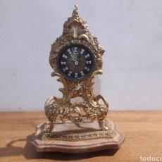 Relojes de pie: RELOJ A CUERDA EN BRONCE Y MARMOL. Lote 207896473