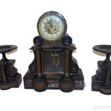 Relógios de pé: ANTIGUO RELOJ MARMOL ART DECO CON GUARNICION PLATOS. Lote 210573551