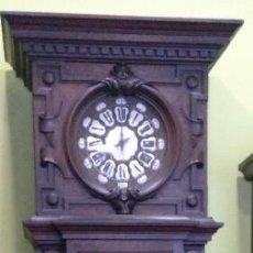 Relojes de pie: ANTIGUO RELOJ DE PIE LOUIS XV DEL SIGLO XIX EN MADERA DE ROBLE FUNCIONANDO.. Lote 212527035