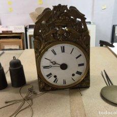 Horloges de parquet: RELOJ MORÉ DE 4 CAMPANAS. Lote 224296600