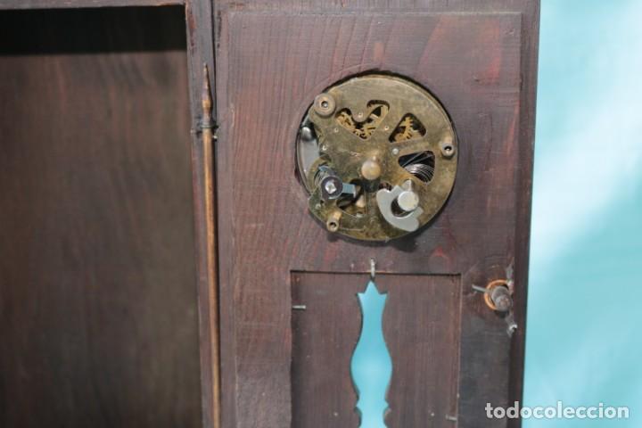 Relojes de pie: Armario miniatura vintage con reloj. Vintage miniature cupboard with clock. - Foto 3 - 225346990