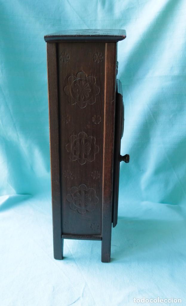 Relojes de pie: Armario miniatura vintage con reloj. Vintage miniature cupboard with clock. - Foto 11 - 225346990