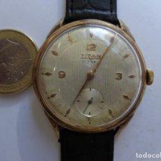 Horloges de parquet: AÑOS 50 BONITO RELOJ CABALLERO A CUERDA TITAN GRUESO CHAPADO FUNCIONANDO PERFECTO BUEN ESTADO. Lote 232856820
