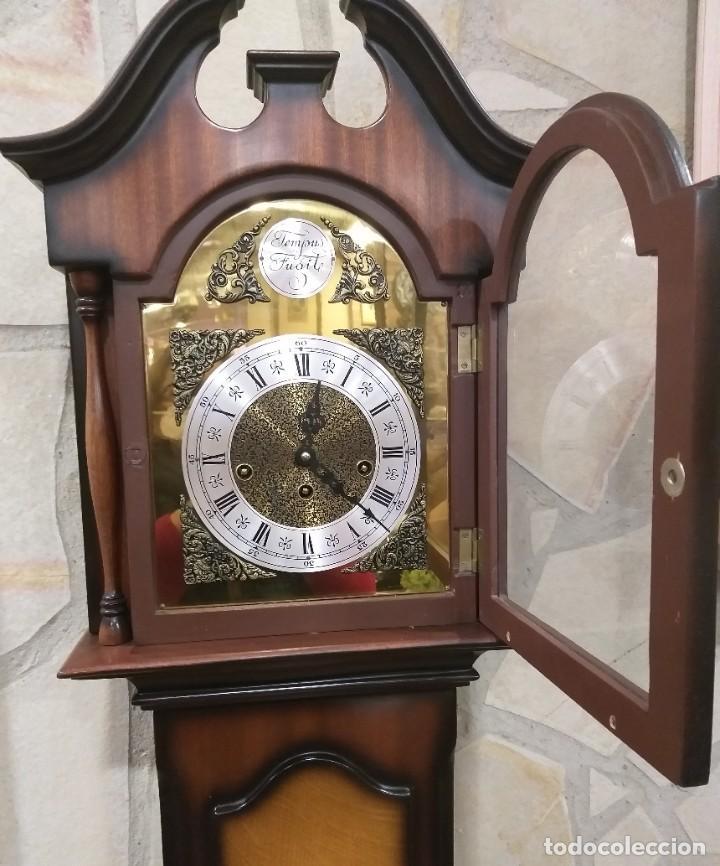 Relojes de pie: RELOJ DE PIE MAQUINARIA DE CARRILLÓN.CUERDA MANUAL. CAJA DE MADERA CON PINTURAS ORIENTALES - Foto 3 - 237292555