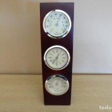 Horloges de parquet: ESTACIÓN METEOROLÓGICA DE SOBREMESA EN MADERA CON RELOJ, HIGRÓMETRO Y TERMÓMETRO. Lote 248179405