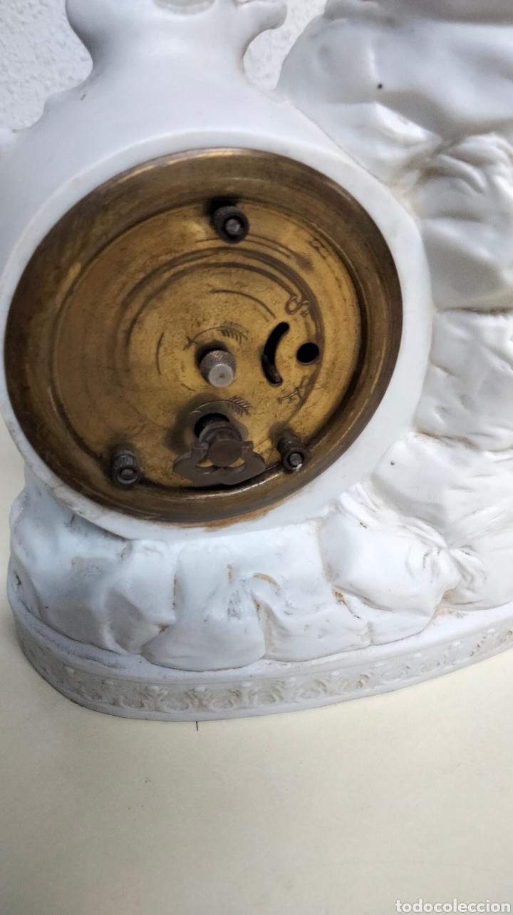 Relojes de pie: ANTIGUO RELOJ EN PORCELANA BISCUIS - Foto 9 - 262805835