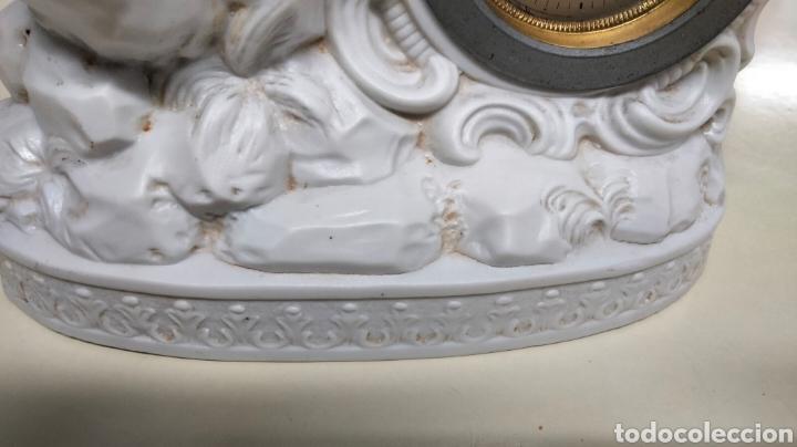 Relojes de pie: ANTIGUO RELOJ EN PORCELANA BISCUIS - Foto 10 - 262805835