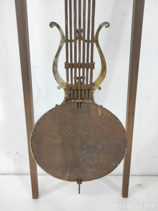 Relojes de pie: Antiguo Reloj Morez - Sonería de Cuatro Campanas - Completo - Funciona - S. XIX - Foto 25 - 265536169