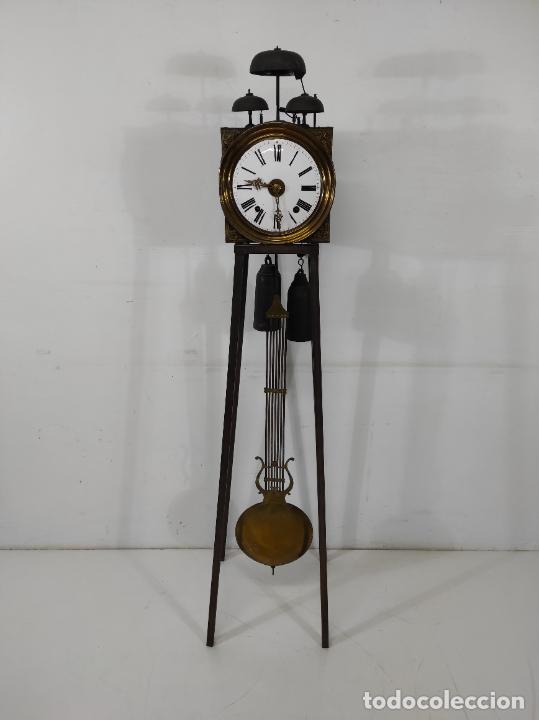 ANTIGUO RELOJ MOREZ - SONERÍA DE CUATRO CAMPANAS - COMPLETO - FUNCIONA - S. XIX (Relojes - Pie Carga Manual)