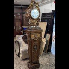 Relojes de pie: RELOJ DE PIE FRANCÉS LOUIS XVI, EN MADERA Y BRONCE. CIRCA 1872.. Lote 277654658
