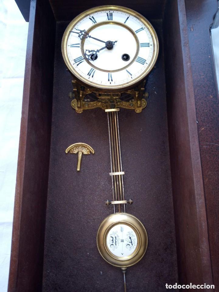 Relojes de pie: Reloj antiguo de pared mecánico con su péndulo a cuerda - Foto 2 - 287410463