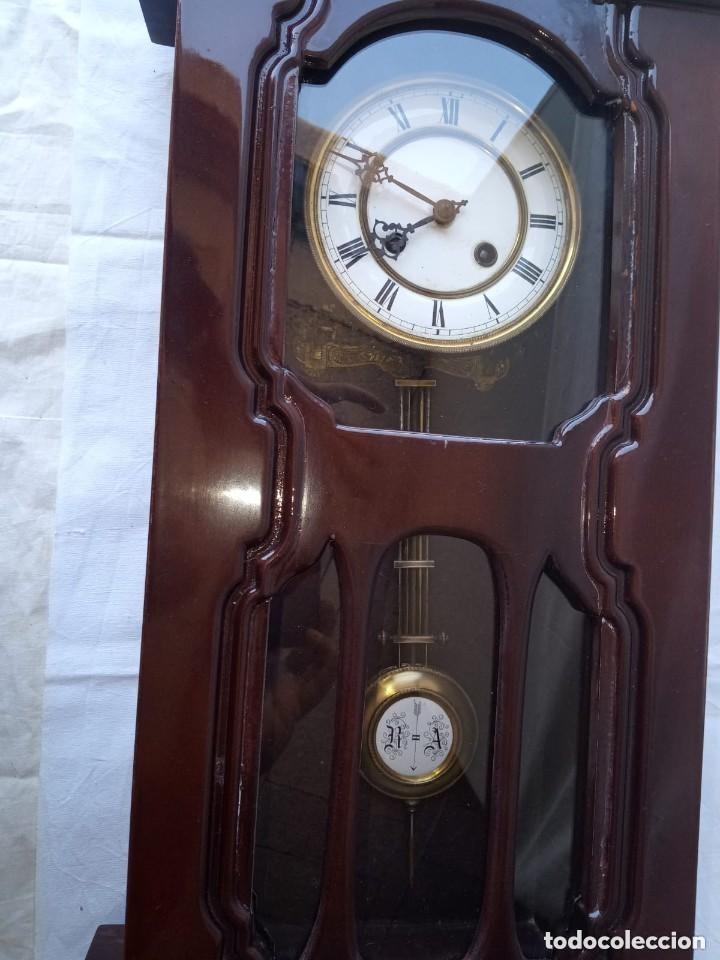 Relojes de pie: Reloj antiguo de pared mecánico con su péndulo a cuerda - Foto 5 - 287410463
