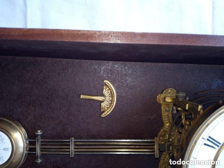Relojes de pie: Reloj antiguo de pared mecánico con su péndulo a cuerda - Foto 6 - 287410463