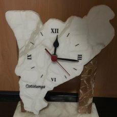 Relojes de pie: RELOJ MAPA CATALUNYA DE MARMOL. Lote 287670828