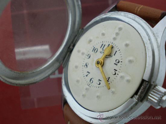 Relojes de pulsera: Curioso reloj para ciegos con esfera braille. - Foto 3 - 26386876