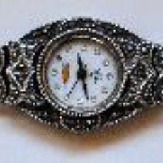 Relojes de pulsera: ANTIGUO RELOJ DE SEÑORA. EN PLATA CON PEDRERIA. Lote 27415123